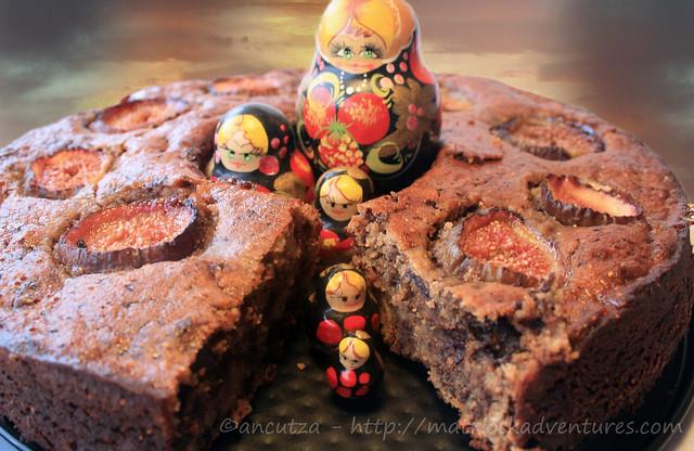 immagine foto Ciambella di fichi e cioccolato e mandorle
