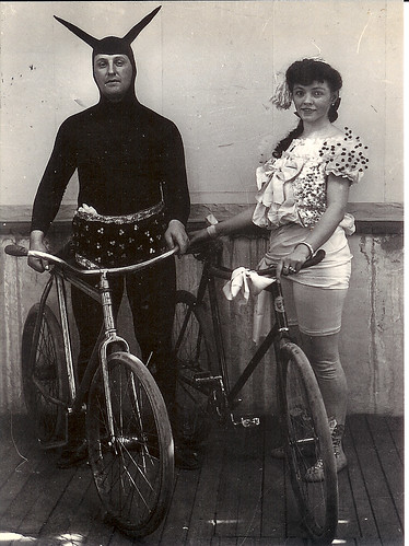 El Daiblo Y La Dama