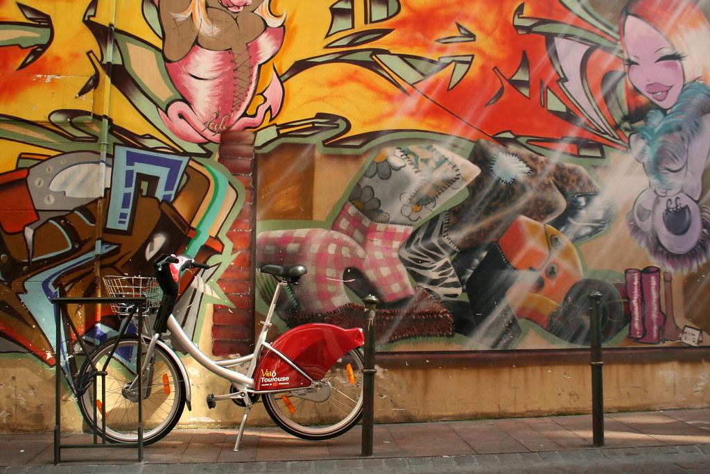 Vélo Toulouse et graffiti