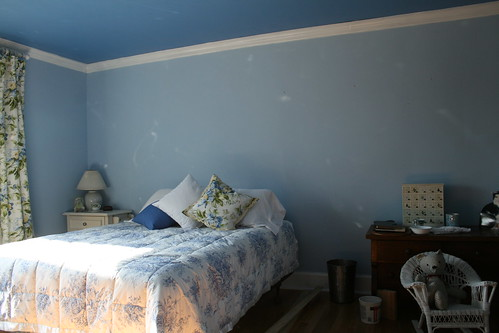 guest room ~ before the headboard