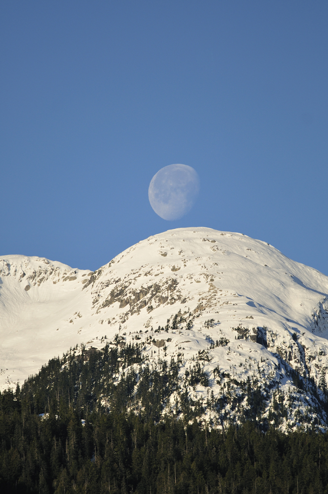 Moon Over Tantalus Edge