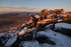 First Light on the High Places (andy_AHG) Tags: peak district derbyshire outdoors beautiful scenery british countryside pennines hills moors edges pursuits hathersage moor higger tor yorkshire landscapes burbage valley winter snow cold snowy landscape outdoor rock formation frost carl wark mountain arete ridge sport