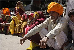 colour people, beyond harshil (nevil zaveri) Tags: uk portrait people india man color colour colors photography blog women colours photographer photos religion stock images photographs photograph uttaranchal rest leisure resting turban roadside zaveri saree pilgrim ua stockimages travelogue pilgrims gangotri nevil rajasthani harshil chardham uttarkhand nevilzaveri
