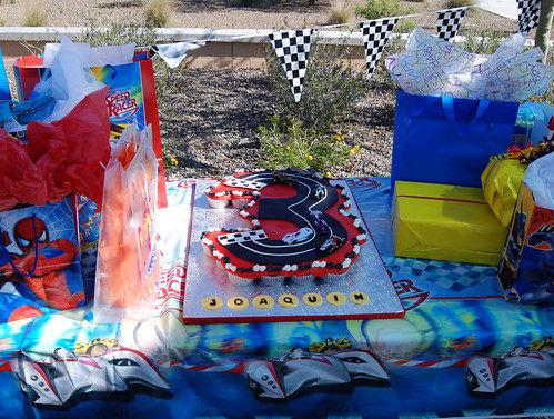 3 shape race car cupcake cake party setup