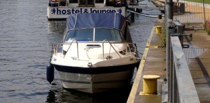 Motorboot auf der Spree