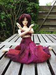 performing some belly dance (sydneyfan2001) Tags: bjd amelia volks sd16