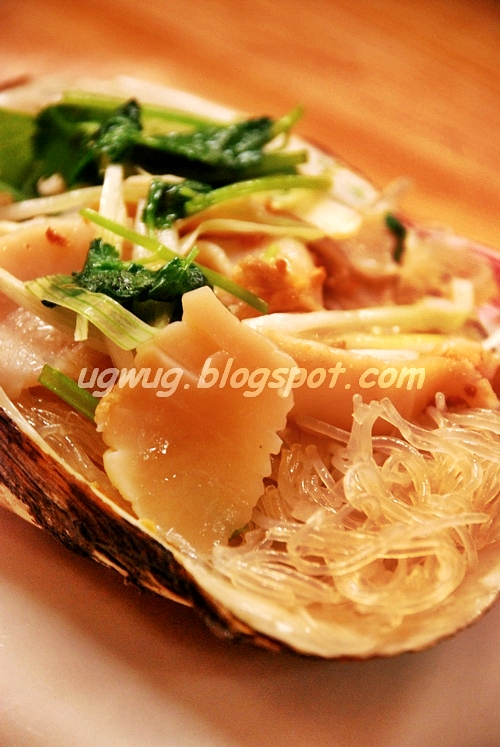 Sliced clam with glass noodles