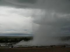 P1060784 (zifra) Tags: lava waterfall iceland islandia geyser glaciar geysir artic 2009 catarata sland operacin cascada volcn geiser rtico circulodorado chiruca lveldi lveldisland operacinchiruca volcnioco