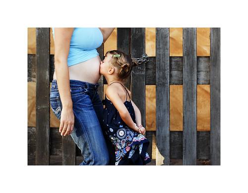 gabe kiss tummy