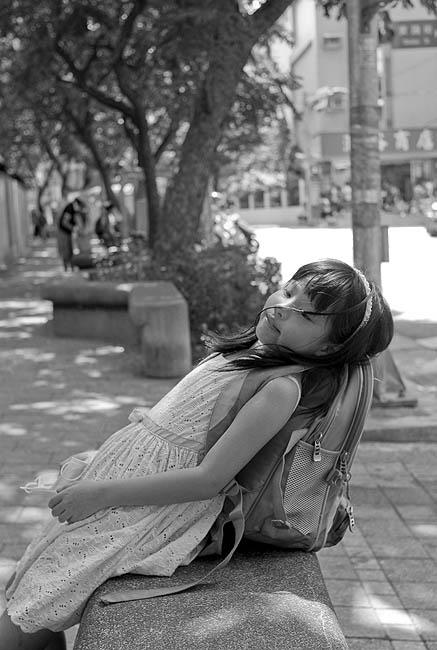 Juliet放學黑白02