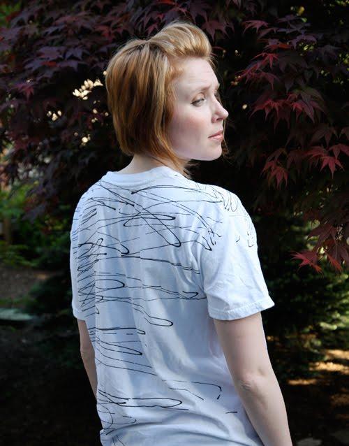 Chic Steals scribble tee fabric printing DIY tutorial