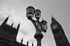 streetlight & big ben (ELIA MORA) Tags: bigben nationalgallery nationalportraitgallery bw bag beautiful big black blonde blondie blue bridge building cloudy colonna color columns day diruota drum drummer eye fouintain girlred handbag horatio london londra man metropolitana national gallery nelson occhio panoramica pioggia rail rain rainy reflection riflesso sky square station statua statue streetlight tamigi thames trafalgar train tube underground walking water westminster white woman elmoph