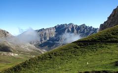 Puerto de Aliva (padreseixas) Tags: montaña cantabria sotres picosdeeuropa fuentede aliva