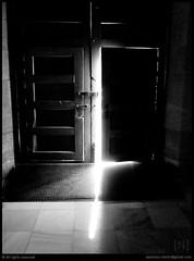ajar (Nestor@INEDITT) Tags: door church puerta tl iglesia murcia luis marble lowkey tere claroscuro ajar mrmol entrever teresaluis