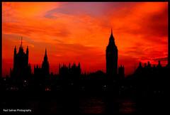 Old Skyline (Raul Salinas) Tags: railroad houses sunset london tower art tourism night canon photography eos big artistic ben tate parliament pic salinas raul 18 55 400d