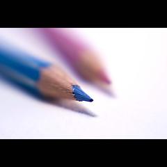 "Dreamy in Flickr colors (ANVRecife) Tags: pink blue macro lensbaby pencil canon flickr bokeh shift sharp dreamy monday ""flickr vallejos colors"" dof"" lens"" 40d conceptphotos macromondays ""tight anvrecife ""tilt blue""""dreamy"""