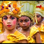 Ubud, Bali - Temple Ceremony (Girl devotees)