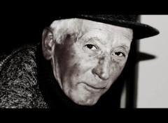 Gigino (Khoretta) Tags: b portrait retrato w n occhi sguardo ritratto rostro vecchio volto anziano vecchiaia totalphoto virgiliocompany