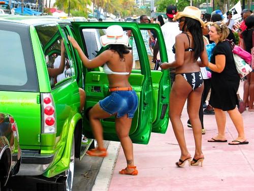 Green Hip Hop Suv and Foxy Brown Hot Babe in Bikini