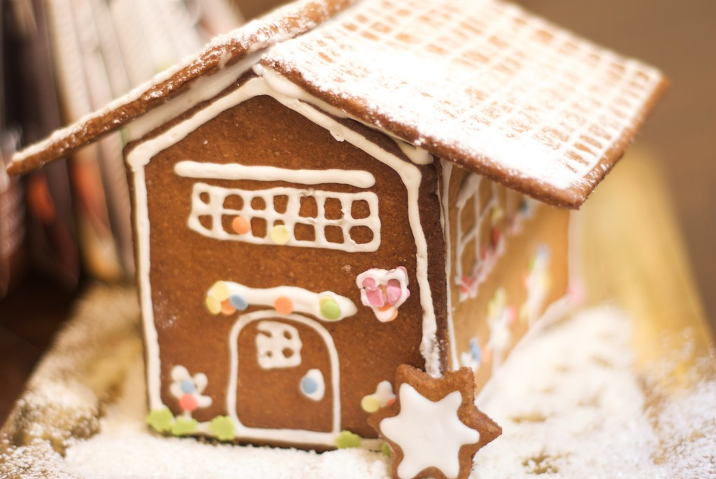 gingerbread house daring baker
