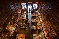 Bookstore (Natalia Romay Photography) Tags: trip travel portugal canon perspective books bookstore viajes porto libros bookshop oporto ritmo portogallo livraria librera cordoaria livrarialelloeirmao ilustrarportugal nataliaromay