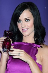 katy-perry-purr-perfume-launch-11122010-01-430x648