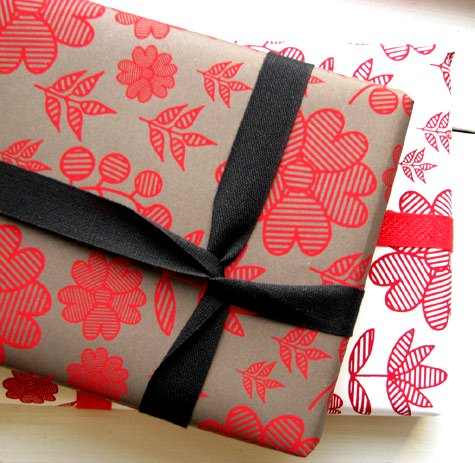 empaquetar nuestros regalos con amor y muchas ganas