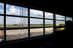 7 2009 (malin.lindgren) Tags: blue sky sun airport gate sunny bluesky malm clowds mmx niceweather sturup