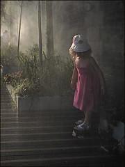 BB Brume (Christian Lagat) Tags: light paris france water girl rose rouge eau robe lumière grdigital fille bois herbe parisplage fogger brumisateur atomizer ricohgrd