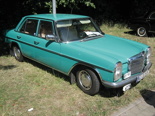 1974 mercedes benz 240 d 30. Mercedes-Benz W115 240 D 1975
