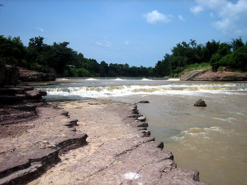 Dinosaur Tracks at Kaeng Rapids