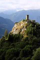 Castello di Graines (Francesco Ferruzzi) Tags: castello montagna ayas graines rudere valledaosta brusson valledayas castellodigraines
