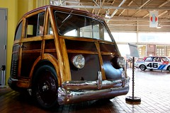 Impressive Wood (Powar) Tags: auto wood cars car museum automobile martin coche lane 1950 lanemotormuseum woodencar stationette