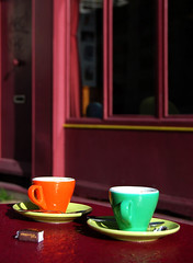 Cafs. (Suzanne Bouron) Tags: coffee colors la couleurs kaffee cups cafs rochelle tasses xicaras merling
