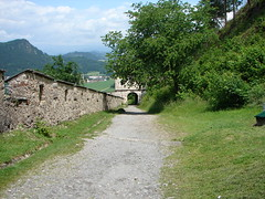 Hochosterwitz Castle (Tjflex2) Tags: trip travel vacation holiday salzburg castle beautiful rock fun austria town cool interesting europe photos near landmarks first roadtrip carinthia medieval east most day8 impressive mentioned dolomite 860 burghochosterwitz hochosterwitzcastle sanktgeorgenamlängsee sanktveitanderglan