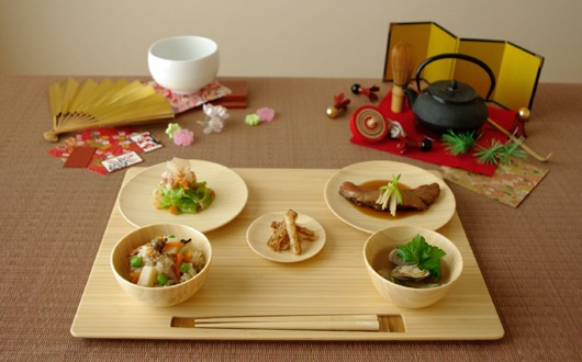 Japanese table manners set for proper behavior while eating | Daily ...