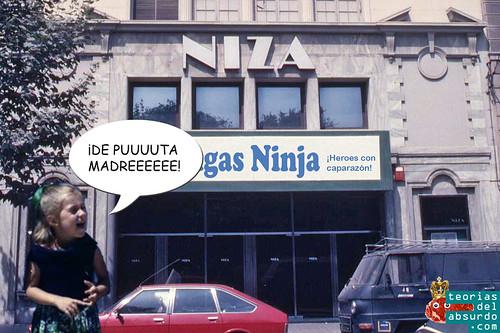 recreación de Patricil a los 4 años despues de ver Las Tortugas Ninja (1990)en el cine Niza