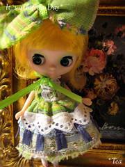 *petit macaron (mint green - sold)