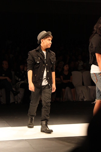 Oz Go - Philippine Fashion Week Holiday 2011