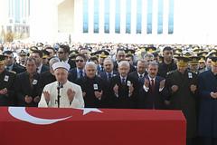 SEHIT UZMAN CAVUS USLU'NUN CENAZE TORENI (FOTO 1/3) (CHP FOTOGRAF) Tags: siyaset sol sosyal sosyaldemokrasi chp cumhuriyet kilicdaroglu kemal ankara politika turkey turkiye tbmm meclis mahmut uslu sehit asker uzman cavus basbakan ahmet hamdi akseki camii binali yildirim genelkurmay baskani hulusi levent gok mustafa destici tabut bayrak