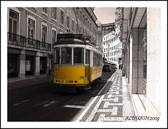 TRANVIA EN CHIADO (ALDUAIN) Tags: travel blackandwhite espaa white black art blanco portugal digital photoshop ed arquitectura flickr raw arte y lisboa lisbon negro olympus ps bn and dslr tejo tajo zuiko soe viajar tranvia chiado cs4 digitalcameraclub e400 18180mm olympuse400 zuiko18180mm colorphotoaward ultimateshot zuiko18180 evolte400 13563 ilustrarportugal goldstaraward photoshopcs4 e400espaa alduain