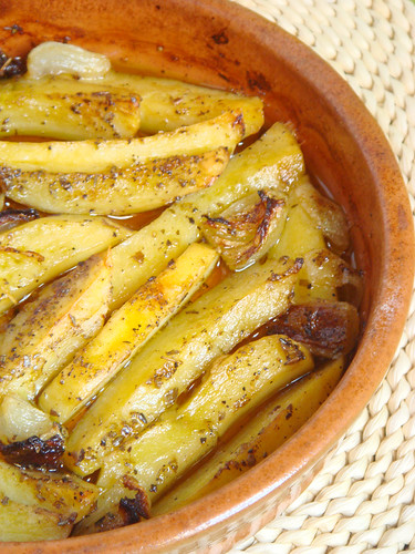 Potatoes from the oven - Patates sto fourno