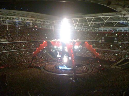 U2 Wembley - late