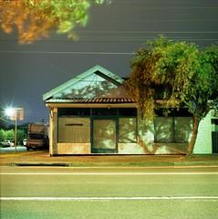 Kingsford. (Stu.Brown) Tags: night rolleiflex nc sydney 400 epson sl66 portra kingsford 4490