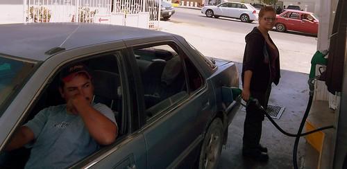 Los cubos bajo la gasolina