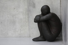 sittin sad (michael.fruehstueck) Tags: white house black art museum kids austria sterreich arts kunsthaus bregenz exhibition anthony bodensee gormley kub vorarlberg gcmk