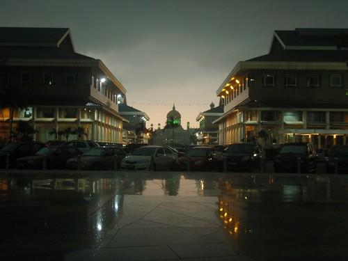 Centro comercial y Mezquita