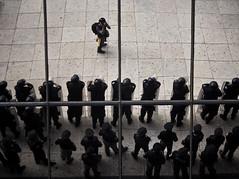 2 de octubre (Chubakai) Tags: canon mexico df police reflejo autorretrato reflexions camara policia tlate