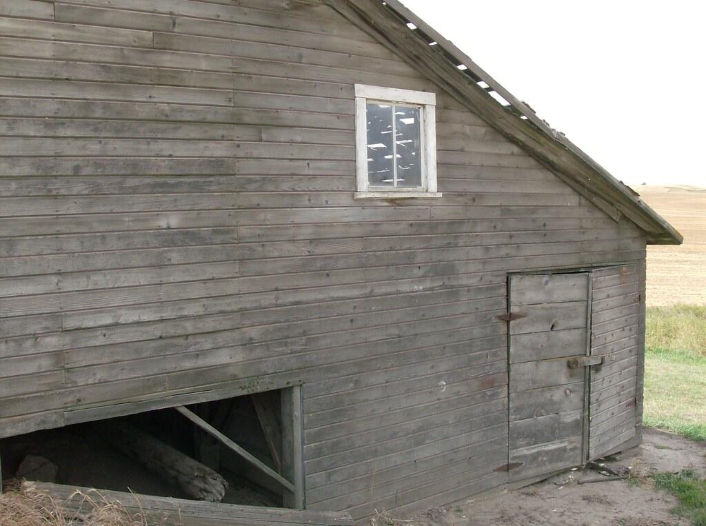 Uniontown Farmhouse, Barn