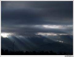 Sunrays at Lawa Mandau peak, Telipok Kota Kinabalu (sam4605) Tags: cloud landscape ray peak olympus malaysia borneo kotakinabalu e1 sabah kota montain sunray bukit sabahborneo kokol telipok sam4605 lawamandau